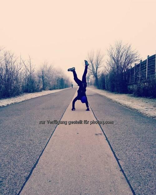 Handstand, © Michaela Riediger (01.01.2017)
