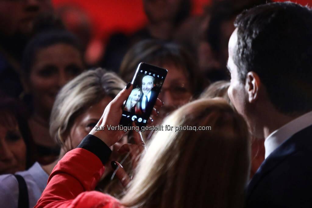 Rede von Christian Kern (SPÖ) in der Messehalle in Wels, Selfie (Bild: SPÖ), © SPÖ Presse und Kommunikation (13.01.2017)