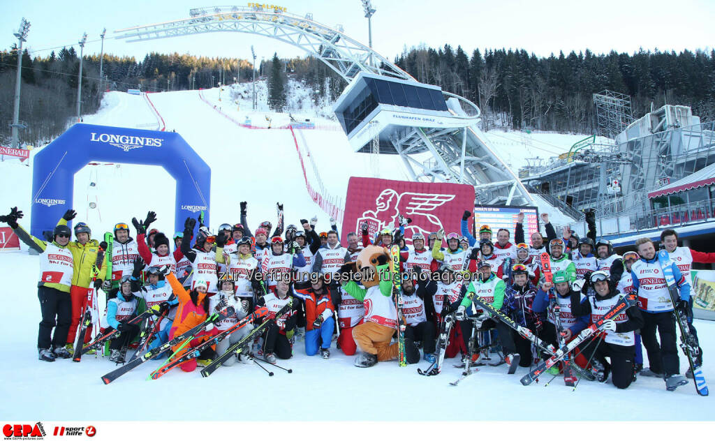 Ski for Gold Charity Race. Image shows participants. Photo: GEPA pictures/ Harald Steiner (26.01.2017)