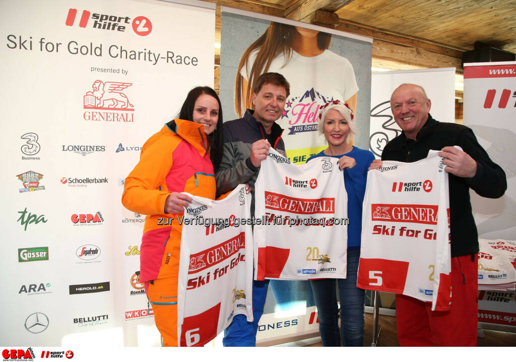 Ski for Gold Charity Race. Image shows Daniela Schuster, managing director Harald Bauer (Sporthilfe), Heather Mills and David Zwilling. Photo: GEPA pictures/ Harald Steiner (26.01.2017)