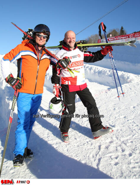 Ski for Gold Charity Race. Image shows managing director Harald Bauer (Sporthilfe) and Andy Lee Lang. Photo: GEPA pictures/ Harald Steiner (26.01.2017)