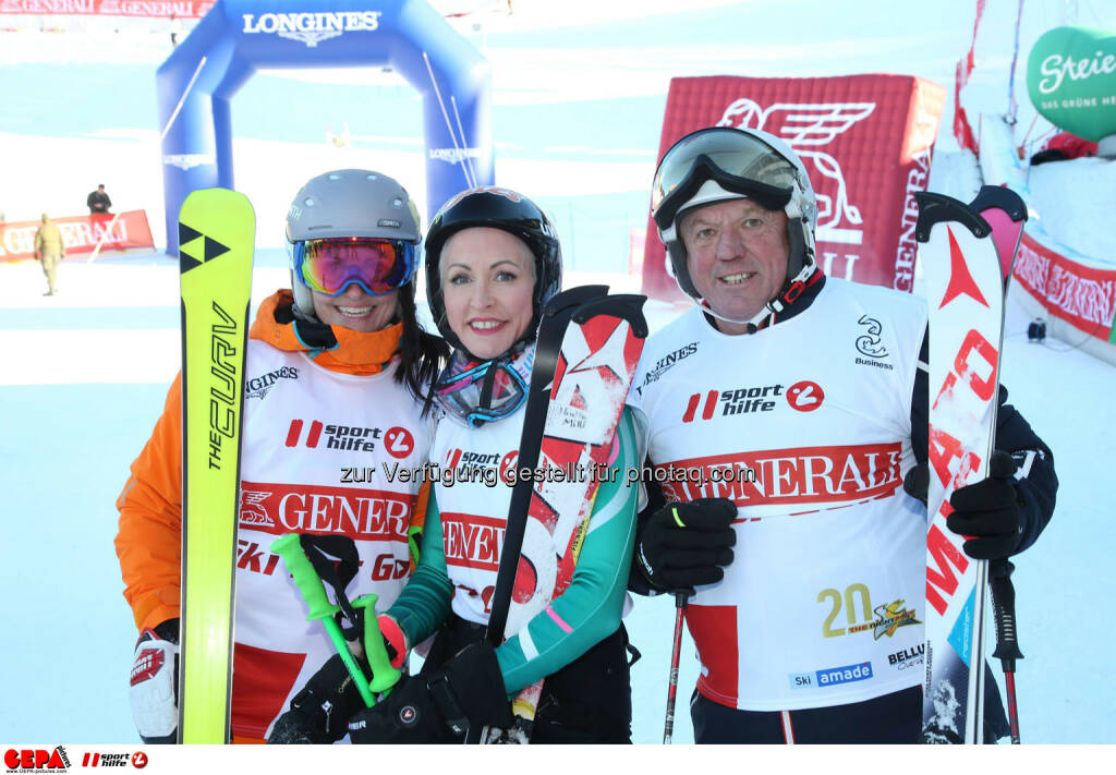 Ski for Gold Charity Race. Image shows Daniela Schuster, Heather Mills and David Zwilling. Photo: GEPA pictures/ Harald Steiner (26.01.2017)