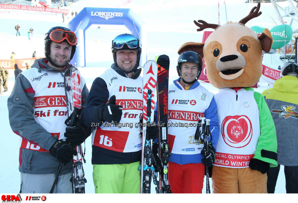 Ski for Gold Charity Race. Image shows Philipp Walcher, Mathias Schattleitner, Gottlieb Stocker and mascot Luis. Keywords: Special Olympics World Winter Games, SOWWG Austria 2017 preview. Photo: GEPA pictures/ Harald Steiner (26.01.2017)