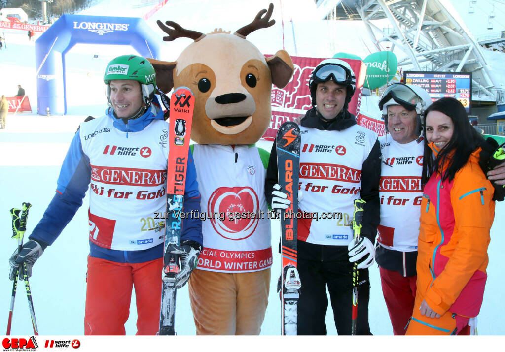 Ski for Gold Charity Race. Image shows Manfred Pranger, mascot Luis, Mario Matt, David Zwilling and Daniela Schuster. Keywords: Special Olympics World Winter Games, SOWWG Austria 2017 preview. Photo: GEPA pictures/ Harald Steiner (26.01.2017)