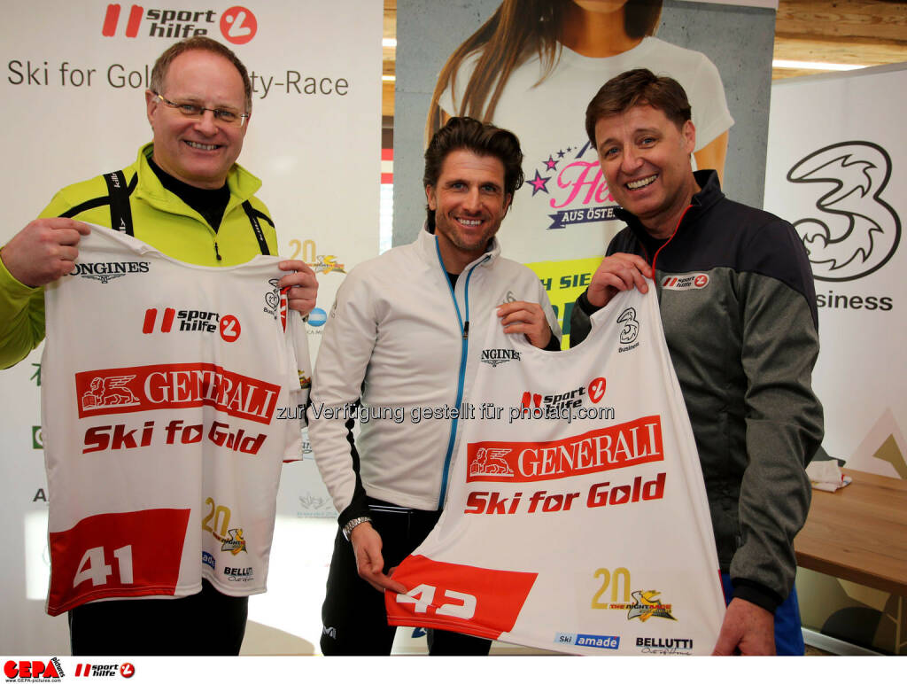Ski for Gold Charity Race. Image shows Hannes Zeichen, Hannes Zeichen and managing director Harald Bauer (Sporthilfe). Photo: GEPA pictures/ Daniel Goetzhaber (26.01.2017)