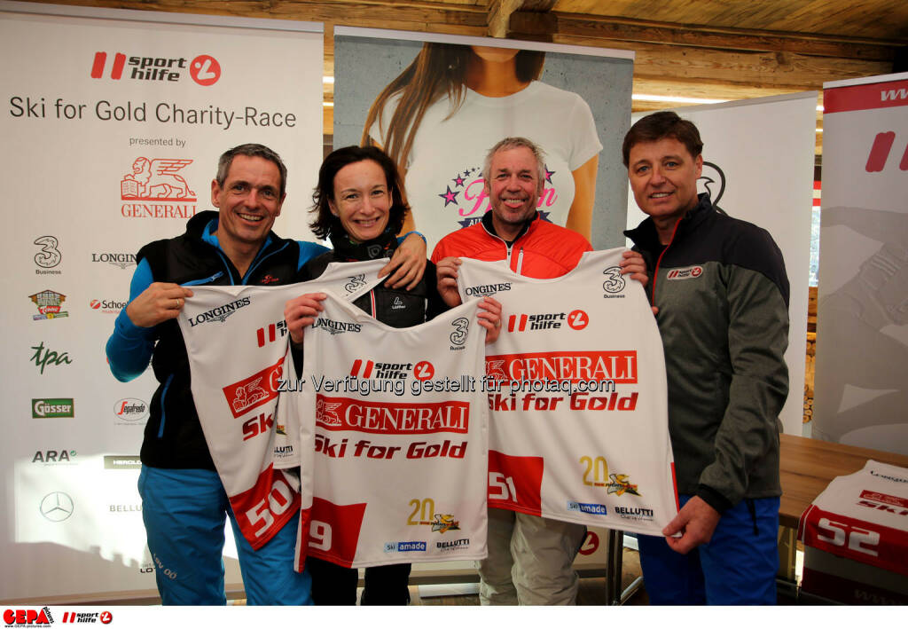 Ski for Gold Charity Race. Image shows Horst Felbermayr, Andrea Felbermayr, Andreas Grossek and managing director Harald Bauer (Sporthilfe). Photo: GEPA pictures/ Daniel Goetzhaber (26.01.2017)