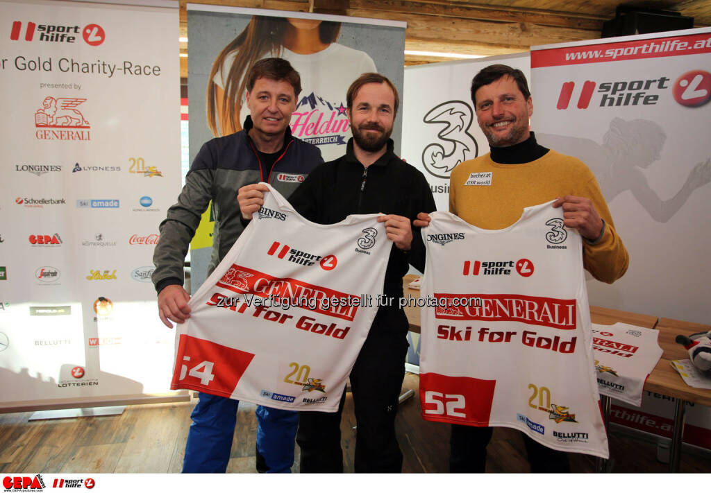 Ski for Gold Charity Race. Image shows managing director Harald Bauer (Sporthilfe), Oliver Witvoet and Gerfried Seeber. Photo: GEPA pictures/ Daniel Goetzhaber (26.01.2017)