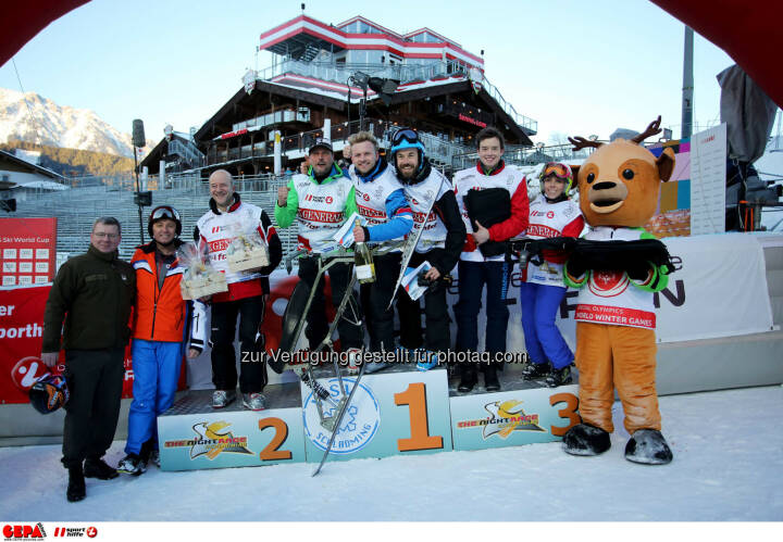 Ski for Gold Charity Race. Image shows managing director Harald Bauer (Sporthilfe), Andy Lee Lang, Gerfried Seeber, Willi Gabalier, Oliver Witvoet, Philipp Hans, Ricarda Huber and maskot Luis. Keywords: Special Olympics World Winter Games, SOWWG Austria 2017 preview. Photo: GEPA pictures/ Daniel Goetzhaber