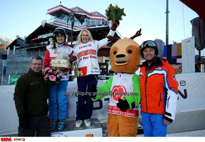 Ski for Gold Charity Race. Image shows Simone Gruber-Hofer, Ulrike Kriegler, managing director Harald Bauer (Sporthilfe) and maskot Luis. Keywords: Special Olympics World Winter Games, SOWWG Austria 2017 preview. Photo: GEPA pictures/ Daniel Goetzhaber