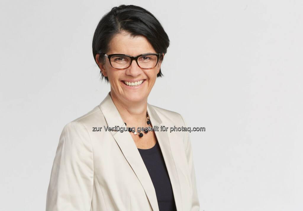 Bundesspartenobfrau Petra Nocker-Schwarzenbacher - WKÖ - Wirtschaftskammer Österreich: WKÖ-Nocker-Schwarzenbacher: Regierungsprogramm enthält auch positive Signale für Tourismus (Fotocredit: Helge Kirchberger), © Aussender (31.01.2017)