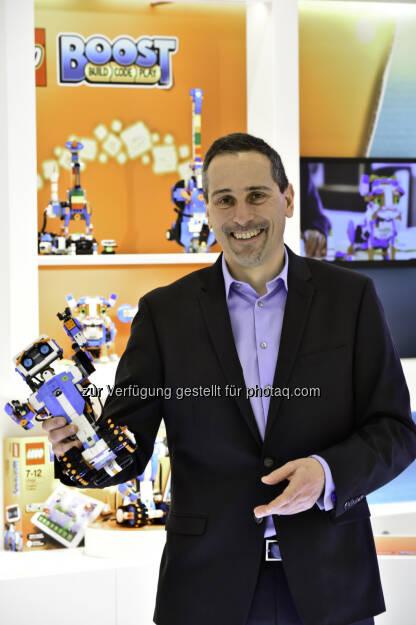 LEGO GmbH: LEGO GmbH zieht positive Bilanz, startet in ein Jahr mit Superhelden und begleitet Kinder weiter in der digitalen Welt (Fotocredit: LEGO GmbH), © Aussendung (01.02.2017)