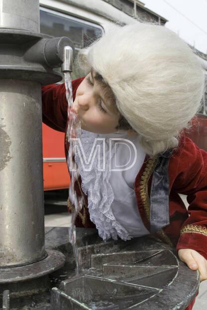 Mozart am Trinkbrunnen, © Martina Draper (10.05.2013)
