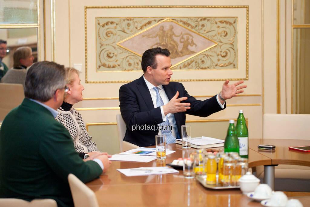 Karl-Heinz Strauss (Porr), Heike Arbter (RCB), Christoph Boschan (Wiener Börse), © Michaela Mejta (02.02.2017)