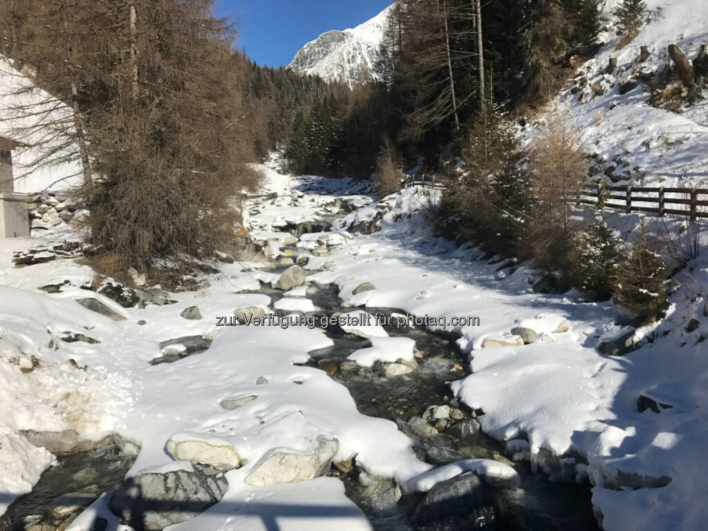 Back, fliessen, Eis, Schnee (07.02.2017)