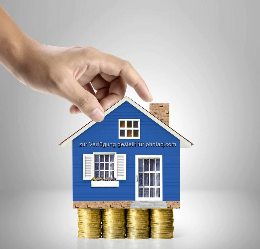 Immobilien versus Wertpapiere - Pro und Contra - Die Marken-Architekten: Immobilien als Kapitalanlage? (Fotocredit: Partner Bank), © Aussender (08.02.2017)