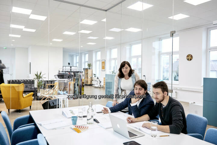 Eva Kaufmann, Sebastian Streibel, Roman Gebath (Studio ideenladen) Studio ideenladen: Studio ideenladen gewinnt Gesamtetat der Therme Laa. (C) ideenladen