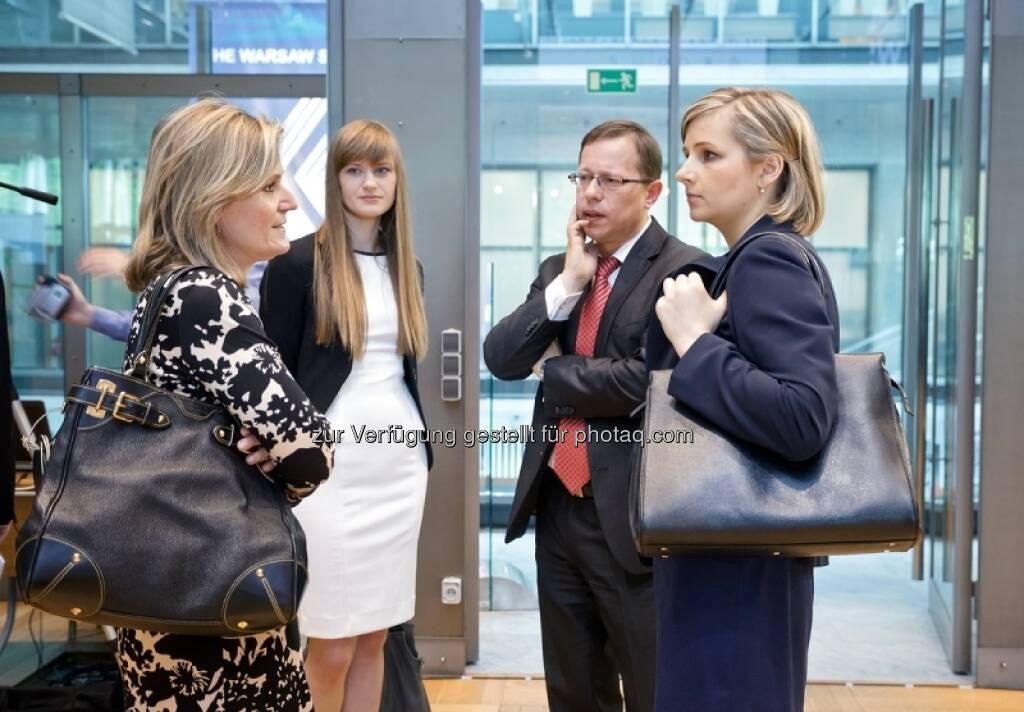 Experten-Talk - Bilder zum Immofinanz-Comeback in Warschau - http://blog.immofinanz.com/de/2013/05/10/immofinanz-in-warschau-ringing-the-bell-und-der-boersenbulle/, © Immofinanz (11.05.2013)
