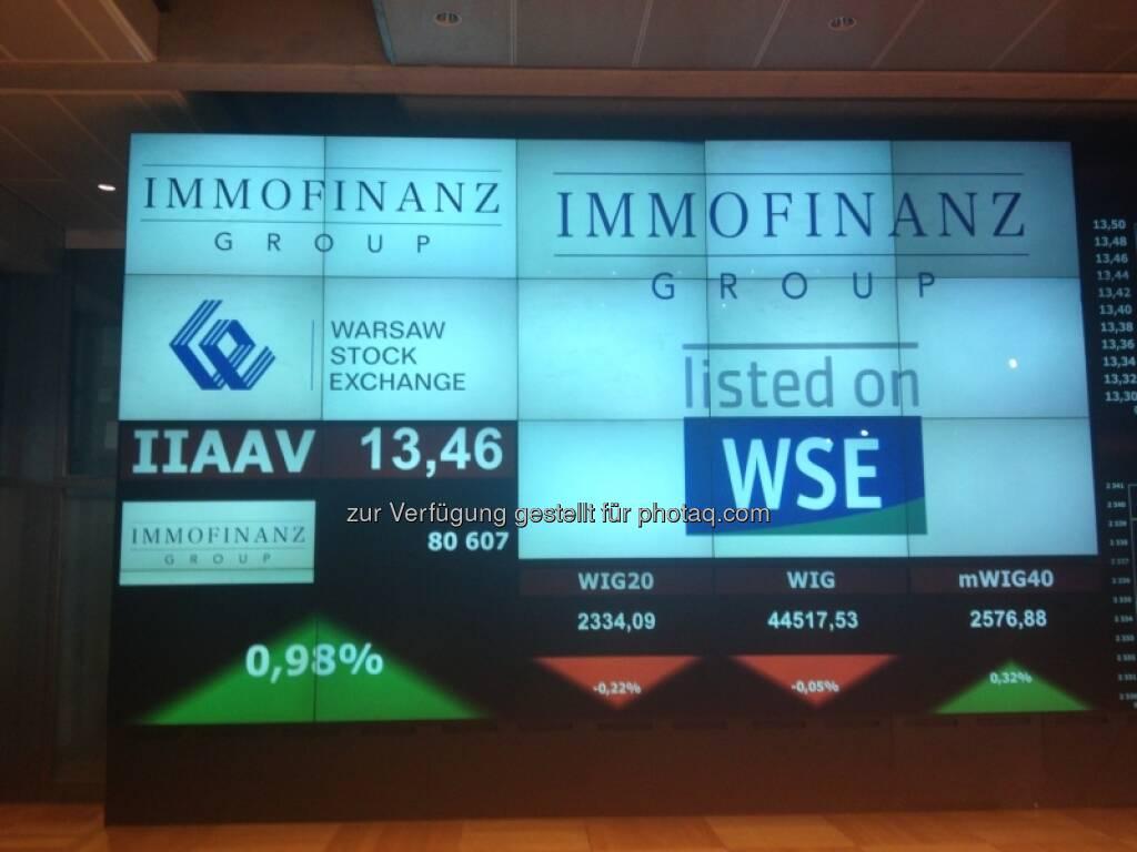 Bilder zum Immofinanz-Comeback in Warschau - http://blog.immofinanz.com/de/2013/05/10/immofinanz-in-warschau-ringing-the-bell-und-der-boersenbulle/, © Immofinanz (11.05.2013)
