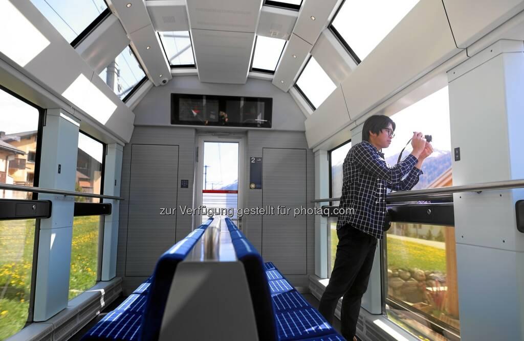 Schweiz Tourismus: Rhätische Bahn: Neue Gliederzüge für Fotoliebhaber auf der Albulalinie (Fotocredit: Rhätische Bahn - Andy Mettler), © Aussender (09.02.2017)