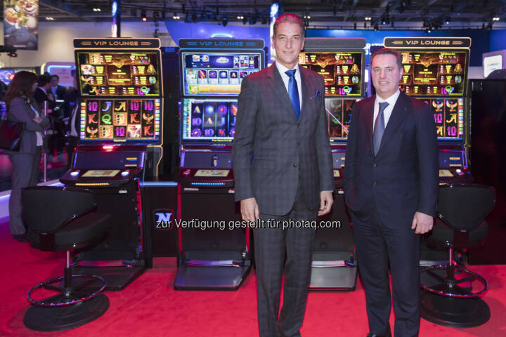 Mag. Harald Neumann und Mag. Thomas Graf bei der ICE Totally Gaming 2017 in London - NOVOMATIC GROUP: NOVOMATIC setzt internationale Wachstumsstrategie fort (Fotocredit: Novomatic)