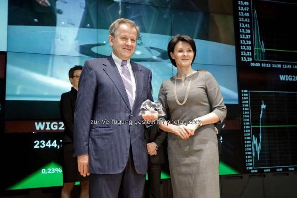 Eduard Zehetner, Beata Jarosz - Bilder zum Immofinanz-Comeback in Warschau - http://blog.immofinanz.com/de/2013/05/10/immofinanz-in-warschau-ringing-the-bell-und-der-boersenbulle/, © Immofinanz (11.05.2013)