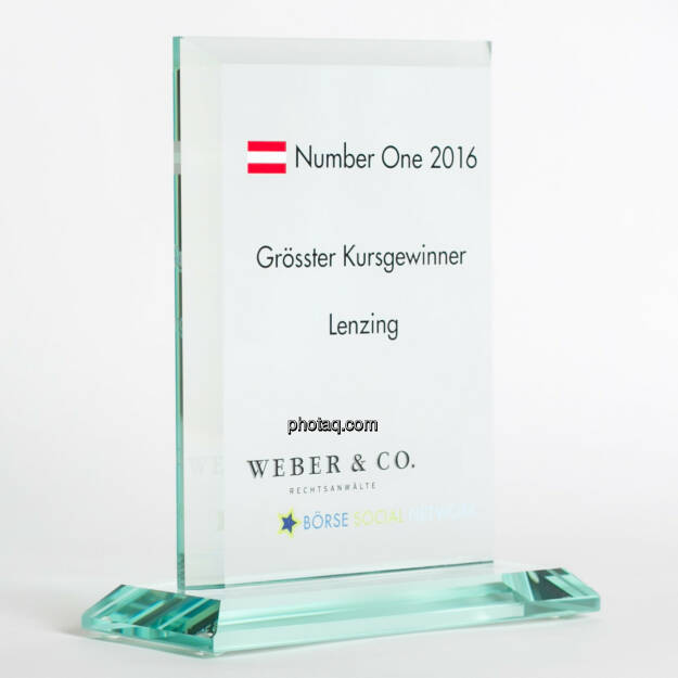 Number One Awards 2016 - Grösster Kursgewinner Lenzing, © photaq/Martina Draper (13.02.2017)