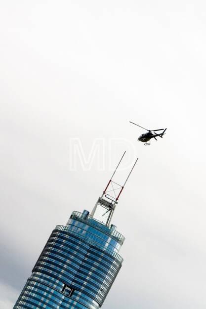 Millennium-Tower, Hubschrauber, Wien, © Martina Draper (15.12.2012)