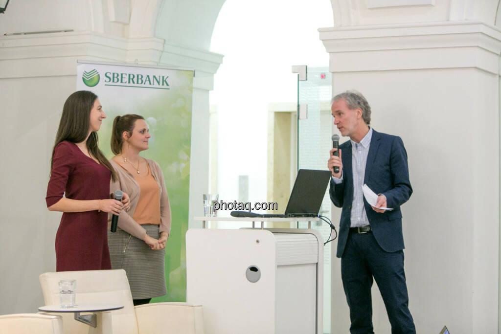 Linda Michalech (Sberbank), Anja Soffa (Sberbank), Christian Drastil (BSN), © Martina Draper/photaq (16.02.2017)