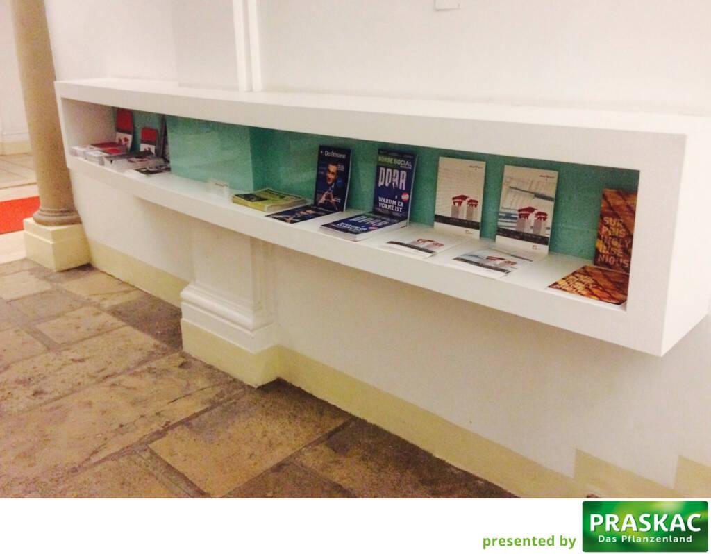 Börse Social Magazine im Eingangsbereich der Wiener Börse http://www.boerse-social.com/abo (17.02.2017)