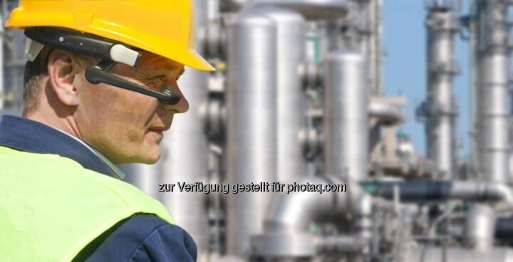 BARCOTEC Vertriebs GmbH: Hersteller des ersten industriellen Head-Mounted Terminal (HMT-1) stellte eine neue Dimension des mobilen Arbeitens vor (Fotocredit: BARCOTEC)