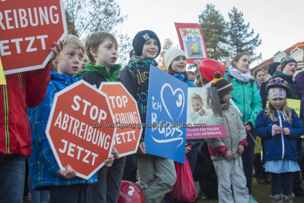 Jugend für das Leben: Marsch fürs Leben gegen Abtreibungen in den Landeskrankenhäusern Vorarlbergs (Fotocredit: JfdL), © Aussendung (20.02.2017)