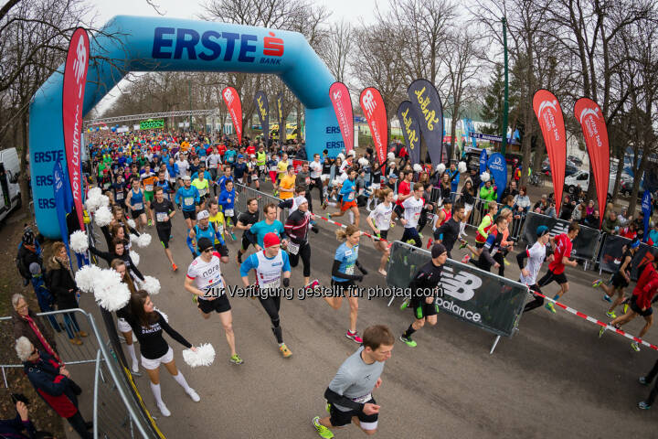 Start zu Laufen hilft - Österreichs Laufopening - Laufen hilft GmbH: Laufen hilft - Österreichs Laufopening am 5. März 2017 (Fotocredit: laufenhilft.at/Dominik Kiss)