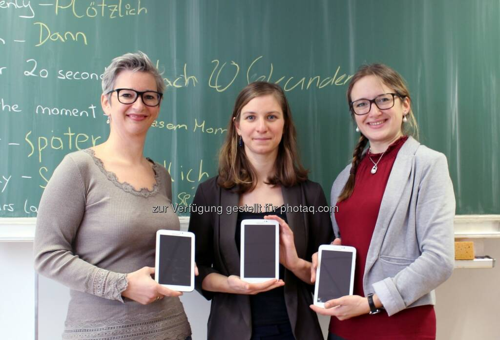 Übergabe der Samsung-Tablets an Fellows von Teach For Austria - Teach For Austria gemeinnützige GmbH: Digitale Bildung forcieren: 30 Samsung-Tablets für Teach For Austria (Fotocredit: Teach For Austria), © Aussendung (22.02.2017)