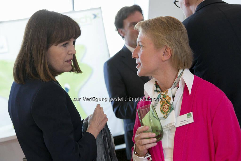 Birgit Kuras (Wiener Börse), Heike Arbter (RCB), © Martina Draper für BE / finanzmarktfoto.at (14.05.2013)