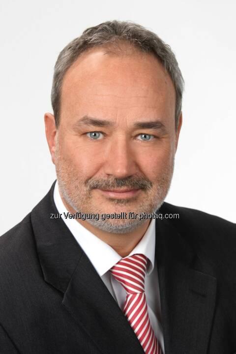 Norbert Hofer - Norbert Hofer fungiert als VertriebsService-Leiter sowohl intern als übergreifende Informationsschnittstelle zwischen Vertrieb und allen anderen Abteilungen im Unternehmen als auch extern als Ansprechpartner für überregional operierende Vertriebs- und Kooperationspartner. (Fotocredit: Rene Starkl)