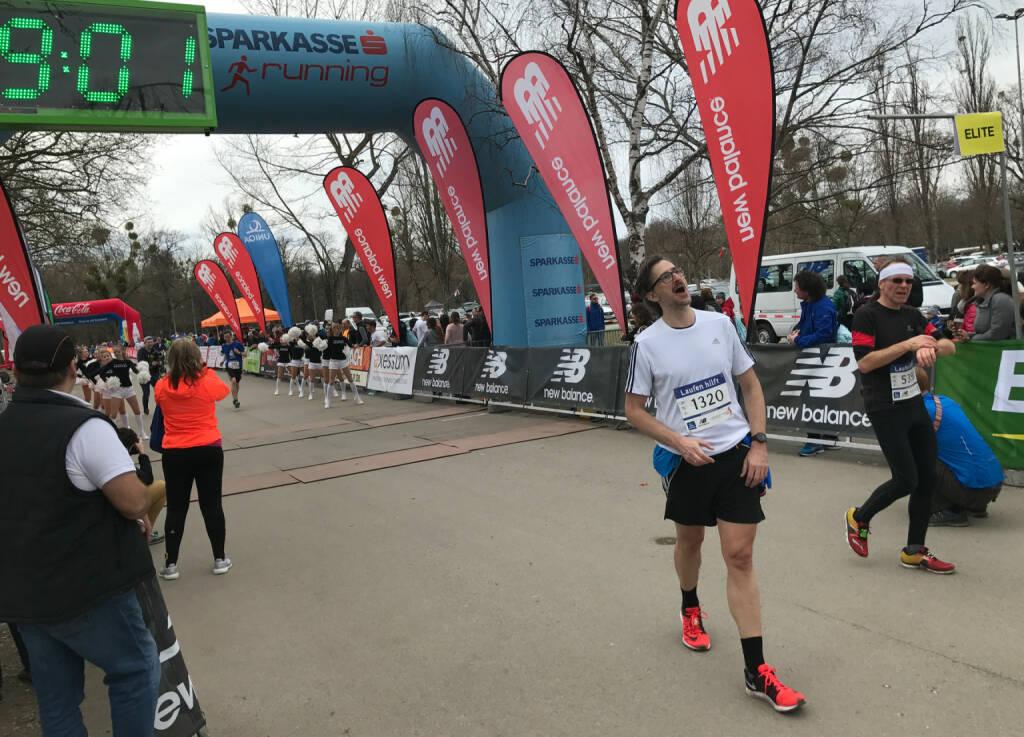 Josef Chladek im Ziel, 1 Min. kann man abziehen, 48:05 (05.03.2017)