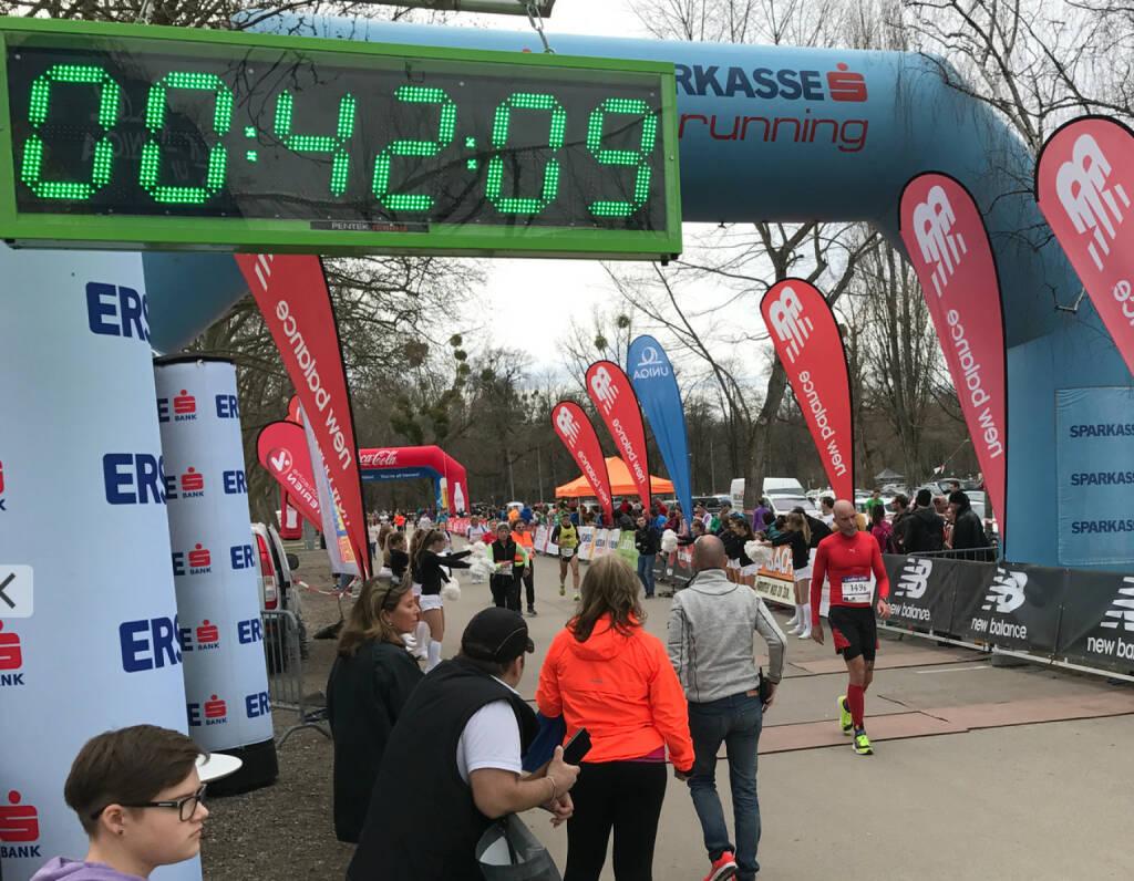 Roman Tacho im Ziel, 41:55 (05.03.2017)