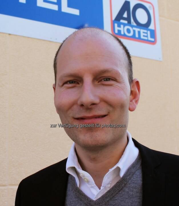 Neue Dimensionen: Die von Oliver Winter geführte A&O Hotels and Hostels Gruppe erreichte 2016 erstmals über 100 Millionen Euro Umsatz. - A&O HOTELS and HOSTELS: Rekordjahr für A&O Hotels and Hostels: 2016 erstmals über 100 Millionen Euro Umsatz (Fotocredit: A&O Hotels and Hostels)
