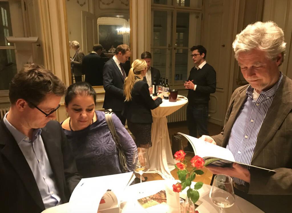 Christian Kreutzer, Caroline Millonig und Arne Johannsen fragten nach dem Börse Social Magazine http://www.boerse-social.com/magazine (09.03.2017)