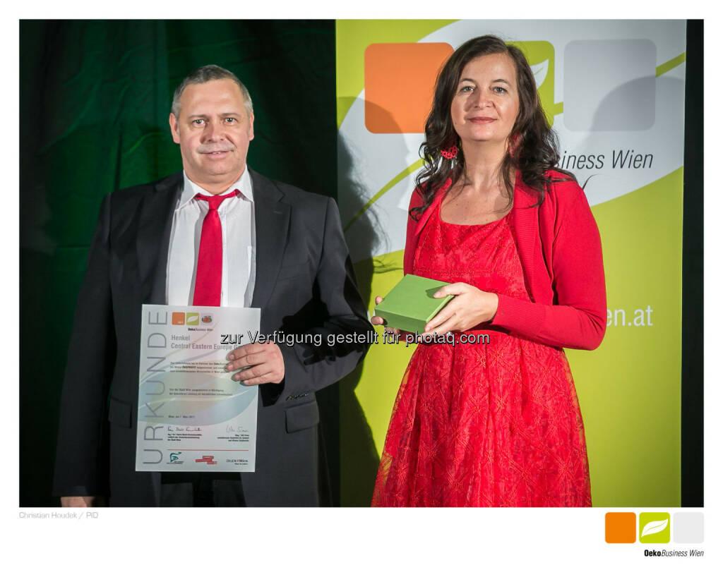 Henkel wurde zum 14. Mal als ÖkoBusiness Wien-Betrieb ausgezeichnet - Henkel Central Eastern Europe: Henkel wurde zum 14. Mal als ÖkoBusiness Wien-Betrieb ausgezeichnet (Fotocredit: Christian HOUDEK), © Aussender (13.03.2017)