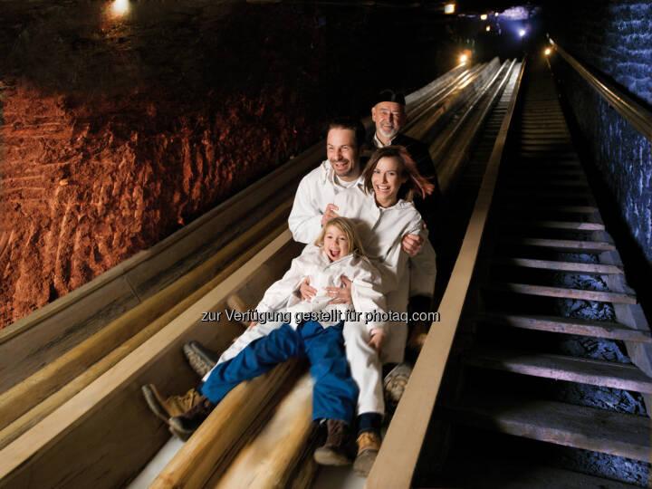 Salzwelten-Hallein-Hallstatt-Altaussee: Salzwelten Saisonstart: Bergfahrt mit Zeitreise (Fotocredit: Salzwelten/Bergauer)