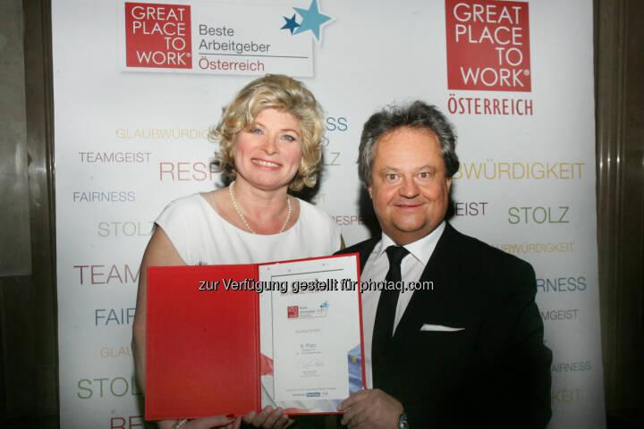 Doris Palz, Great Place to Work; Mag. Ingo Raimon, General Manager, AbbVie Österreich - AbbVie GmbH: AbbVie beschreitet innovative Wege im Arbeitsalltag (Fotocredit: APA-Fotoservice)