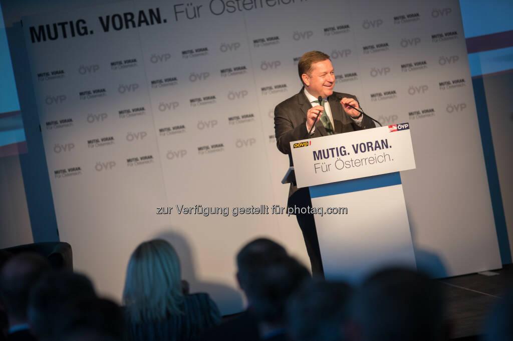 Werner Amon - ÖVP Bundesparteileitung: Mitterlehner eröffnet erste ÖVP Bürgermeister-Konferenz: Nur gemeinsam sind wir stark und erfolgreich (Fotocredit:ÖVP/Jakob Glaser), © Aussender (17.03.2017)