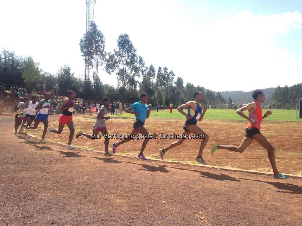 laufen, Rennen, track and field, Tartan, Äthiopien, hintereinander, Laufschritt, Gleichschritt (18.03.2017)