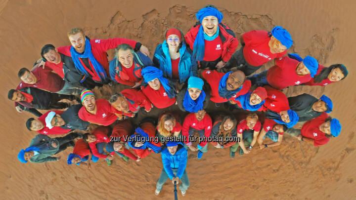 Touristiker aus 15 Nationen nahmen Ende Februar/Anfang März am internationalen Erfahrungsaustausch von Weltweitwandern in der marokkanischen Sahara teil - WELTWEITWANDERN GmbH: Tourismus-Revolution zwischen Dünen (Fotocredit: www.weltweitwandern.at)