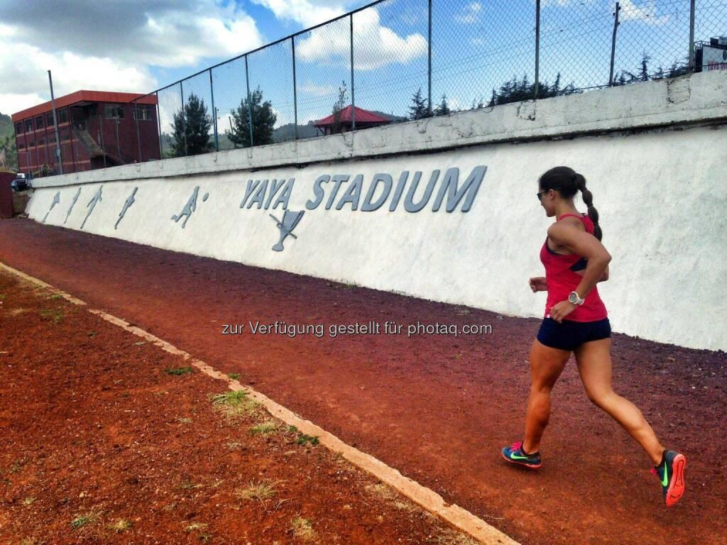 Monika Kalbacher, laufen, Tartanbahn, track and field, Yaya Stadium (22.03.2017)