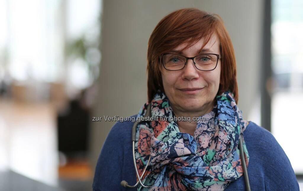 Dr. Birgit Reisinger, Leiterin des Medizinischen Kompetenzzentrums bei UNIQA - UNIQA Insurance Group AG: UNIQA warnt: Pollenalarm – Allergiker aufgepasst (Fotocredit: UNIQA), © Aussender (24.03.2017)