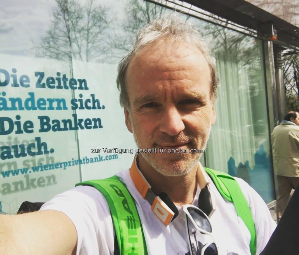 Uber der Fussgänger-Boten (31.03.2017)