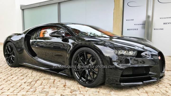 Er ist schon jetzt eine Legende - der nicht nur von den Fans lang ersehnte Nachfolger des Bugatti Veyron. Diesmal trägt er den Namen Chiron und stellt allein von den Leistungsdaten her alles in den Schatten, was sonst noch so an automobilen Überfliegern unterwegs ist. Extremer geht es nicht: 1.500 PS stark, weit über 400 km/h schnell - und 3 Millionen Euro teuer! - RTL II: GRIP - Das Motormagazin: Der neue Bugatti Chiron (Fotocredit: RTL II)