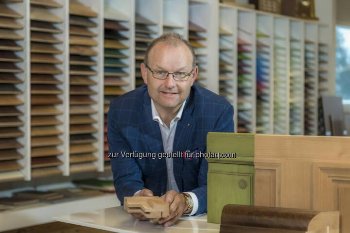 Karl Bucher, CEO der Karl Bucher AG, Goldau, Schweiz - Karl Bucher AG: Schweizer Top Schreiner voll im Trend (Fotocredit: obs/Karl Bucher AG)